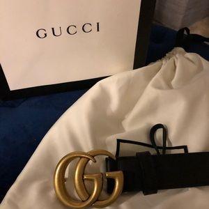 Women's Gucci double g buckle belt